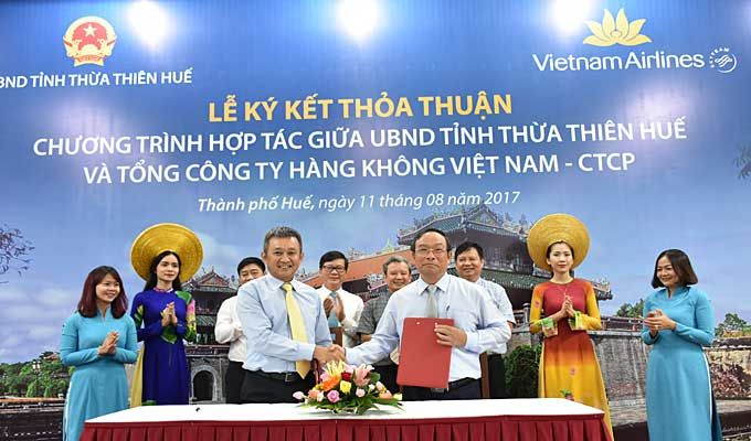 Thua Thien-Hue, Vietnam Airlines cooperate in tourism promotion