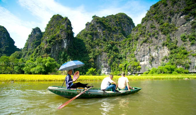 Viet Nam extends e-visa policy for foreign tourists until 2021