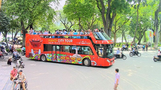 Ha Noi hop-on hop-off tour costs less, offers more