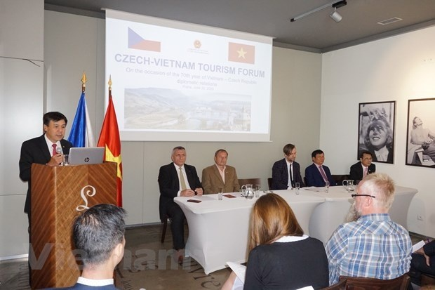 Vietnam, Czech Republic step up tourism cooperation
