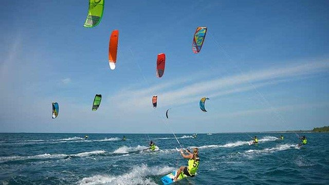 Ninh Thuan to host international kite surfing festival