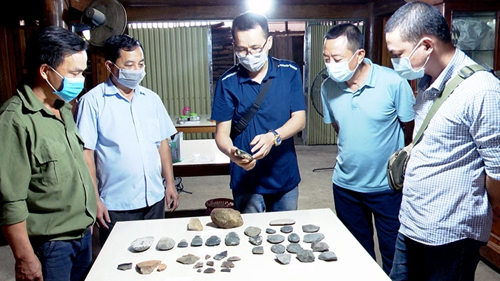 Ancient tools found in archaeological site in Tuyen Quang